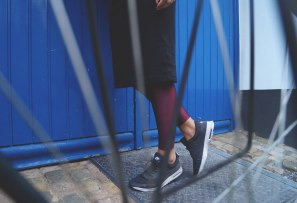 Leggins: Urban Outfitters | Shoes: Nike