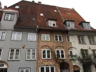 Ein Giebel, drei Fassaden.